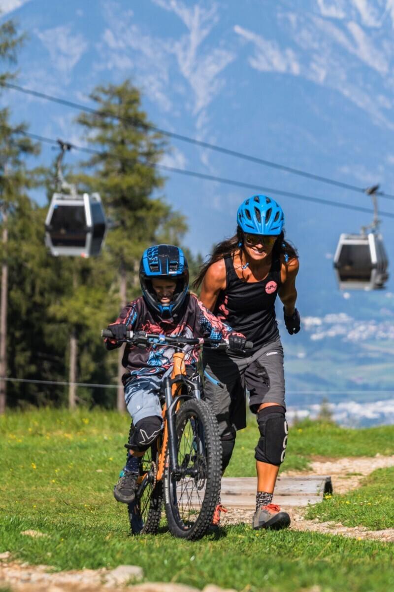 Het Bikepark Innsbruck is geschikt voor grote en kleine stoere fietsers © Innsbruck Tourismus / Mirko Paoloni