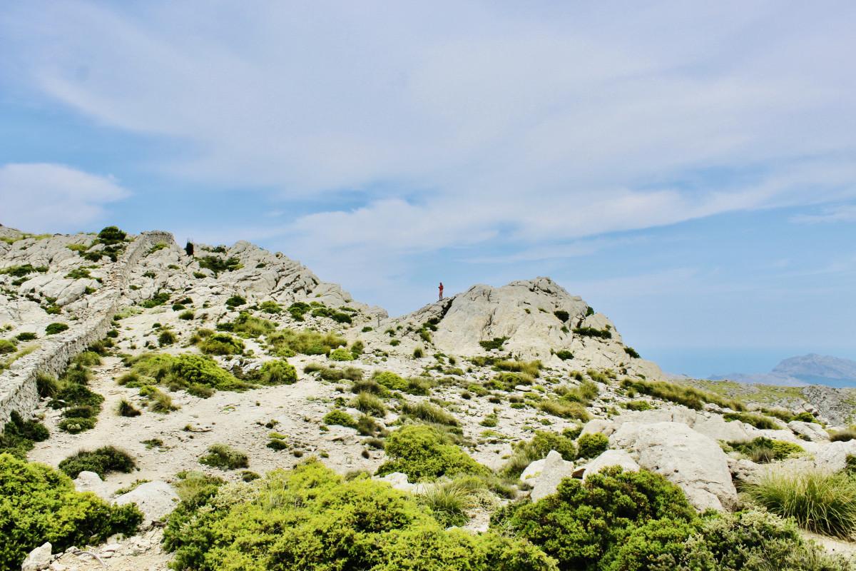 Ik zie de Tsjechische meiden in de verte op de top. Foto: Pauline van der Waal