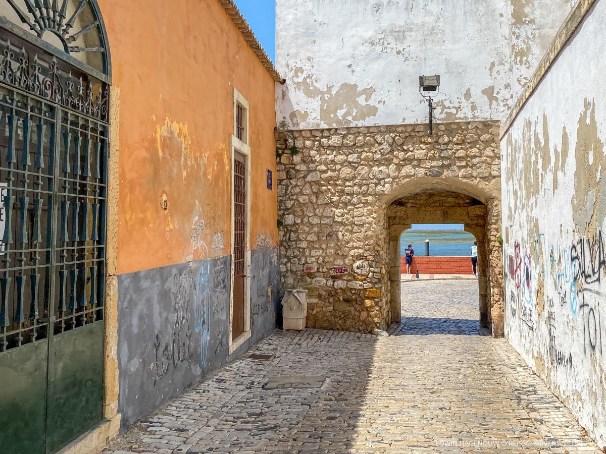 Faro. Foto: Edwin Hagenouw