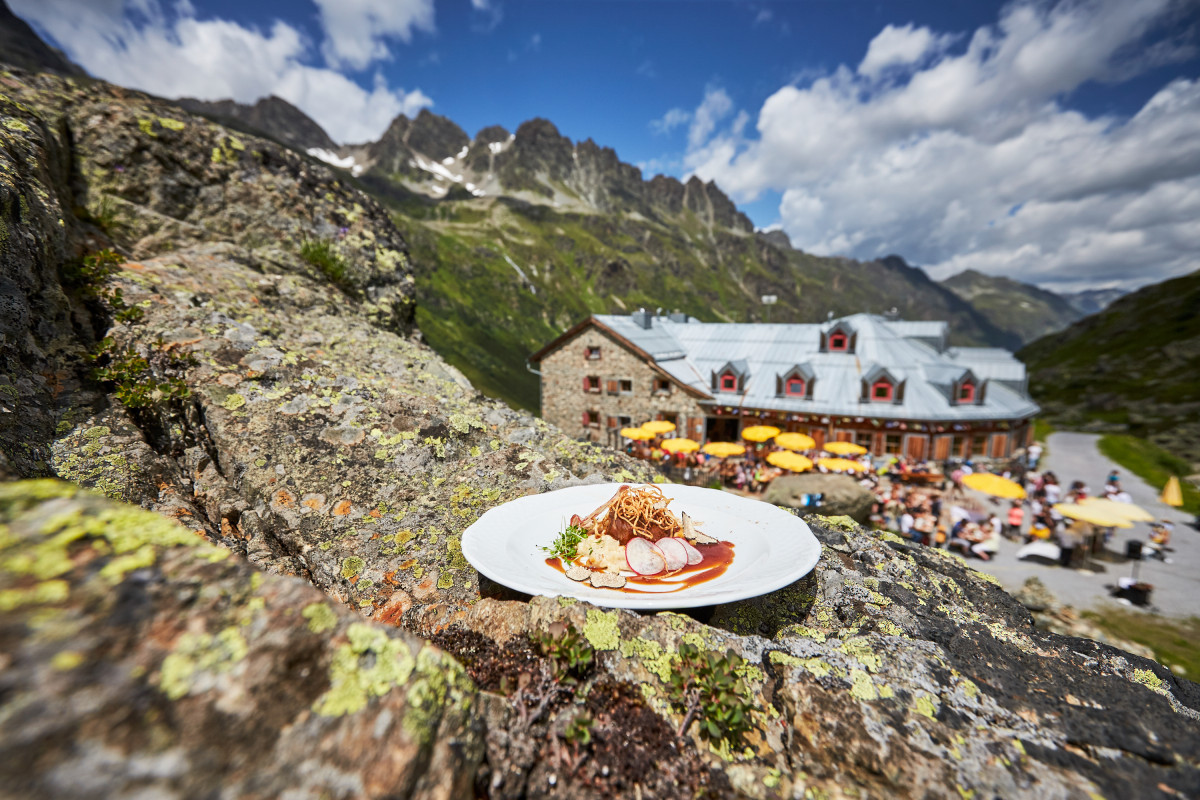 Op hoog niveau eten in de bergen