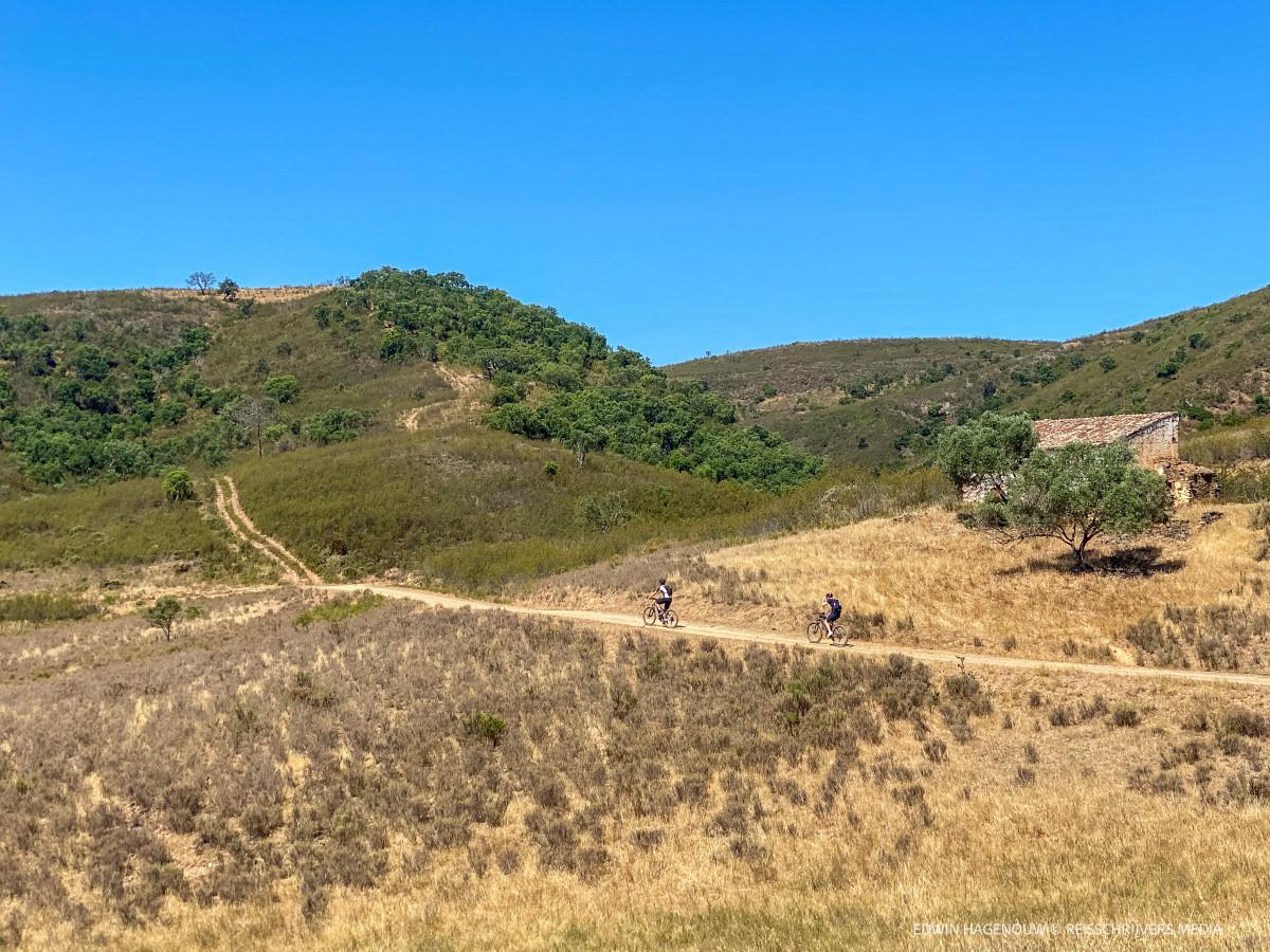 Mountainbiken in de Algarve. Foto: Edwin Hagenouw