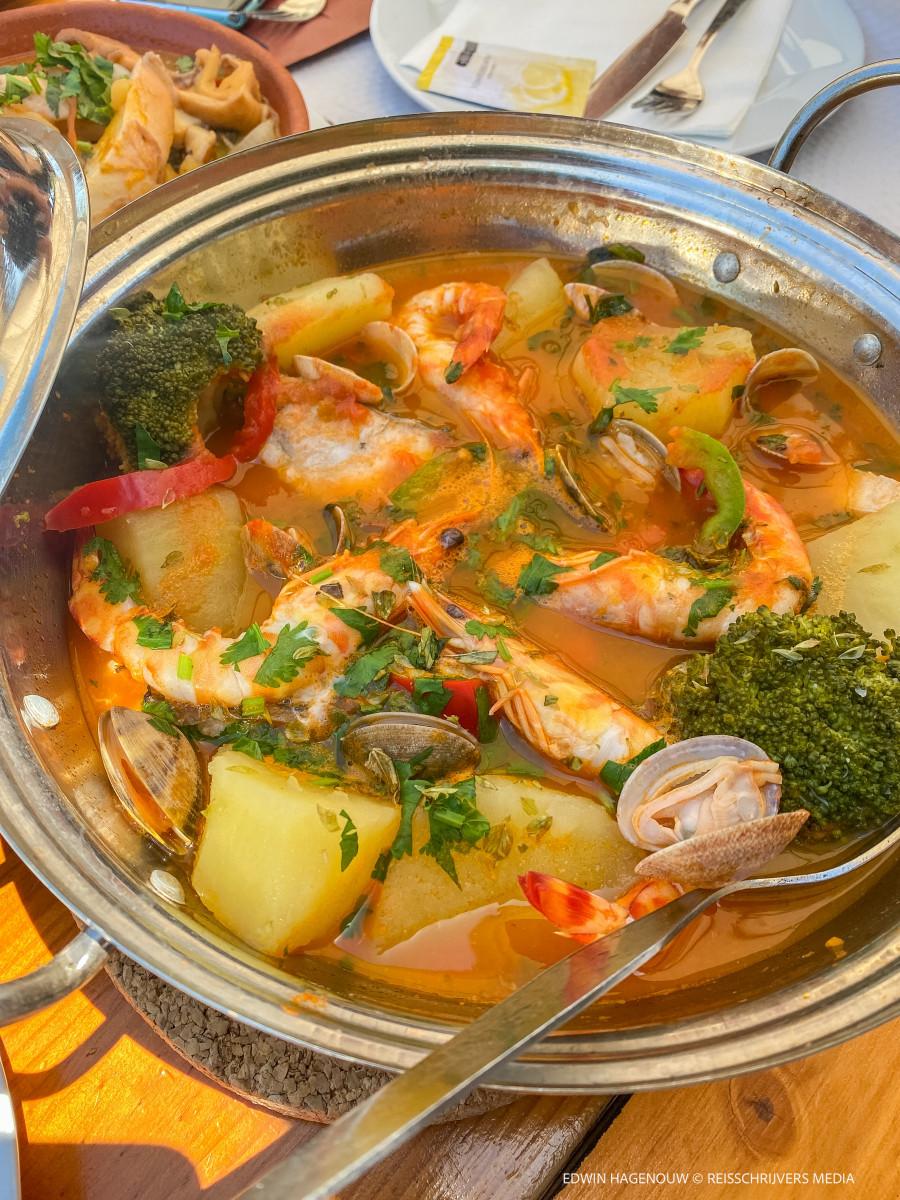 Lekker authentiek visgerecht in Silves. Foto: Edwin Hagenouw