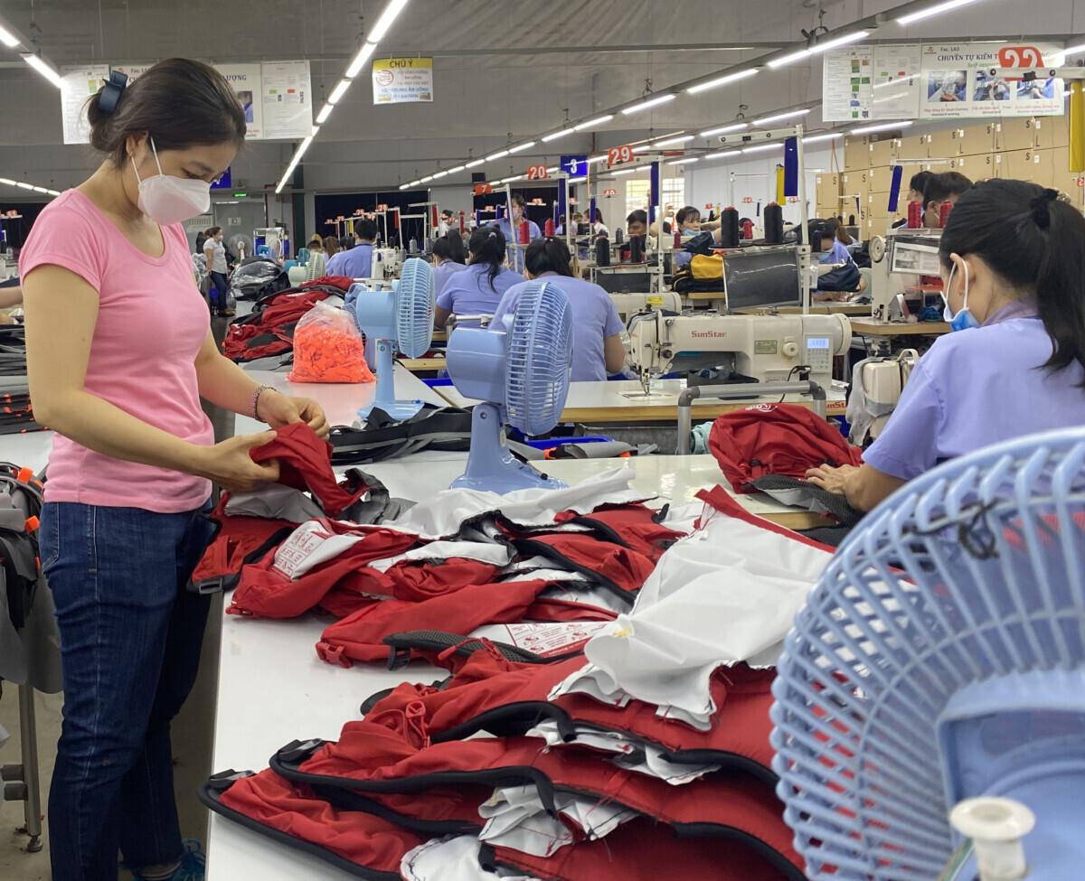 Productie van backpacks bij een van de fabrikanten van Equip