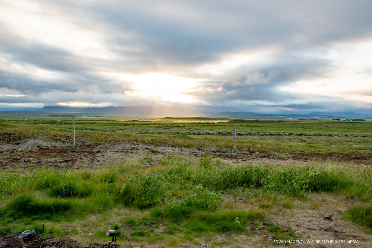 Een bijzondere zonsondergang op de eerste avond. Foto: Edwin Hagenouw