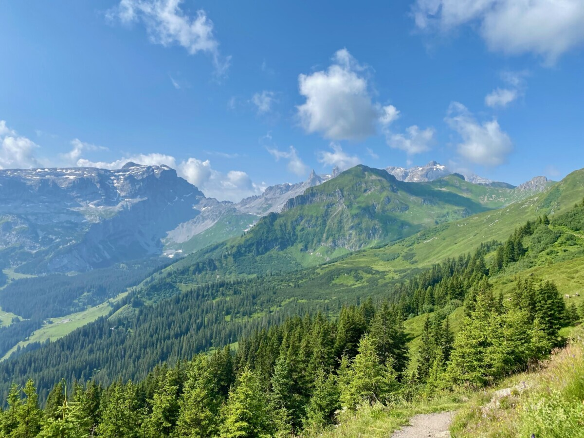 Hiken in Tschaggungs, Montafon. Foto: Maaike Somers
