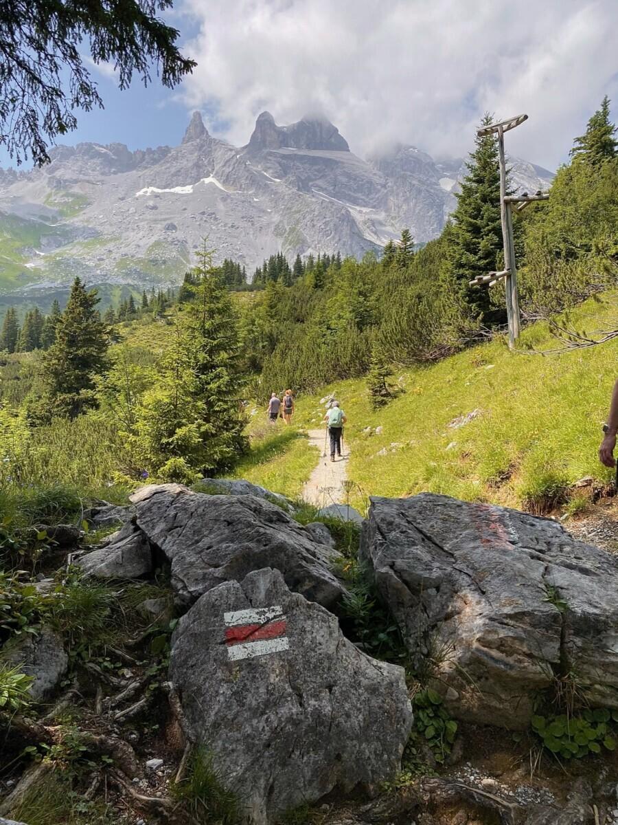 Hiken met uitzicht op de Drei Türme. Foto: Maaike Somers