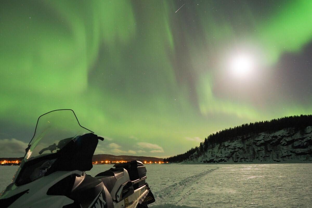 Buro Scanbrit - Fins Lapland op de sneeuwscooter