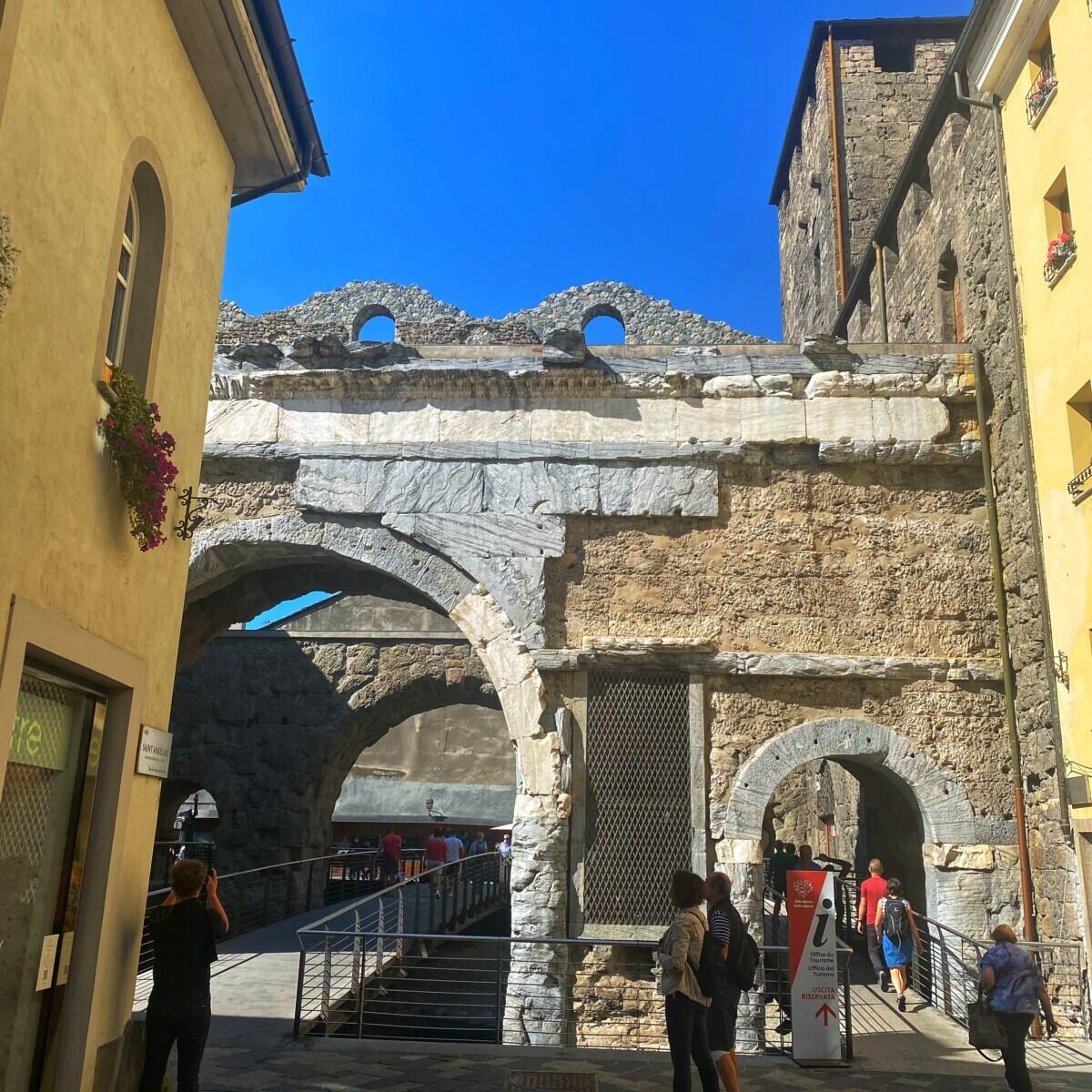 Oude stadspoort Aosta