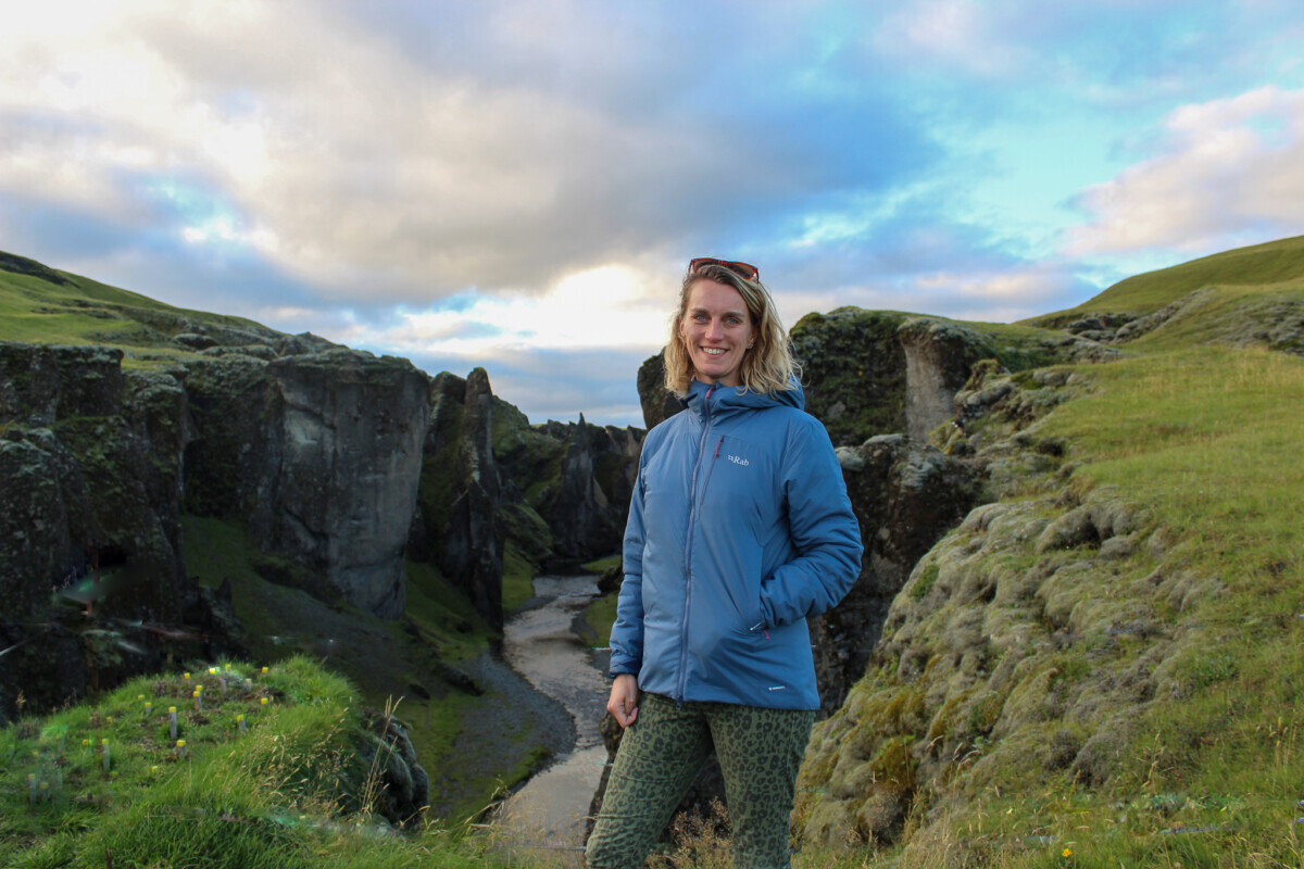 Bij de Fjaðrárgljúfur Canyon. Foto: Pauline van der Waal