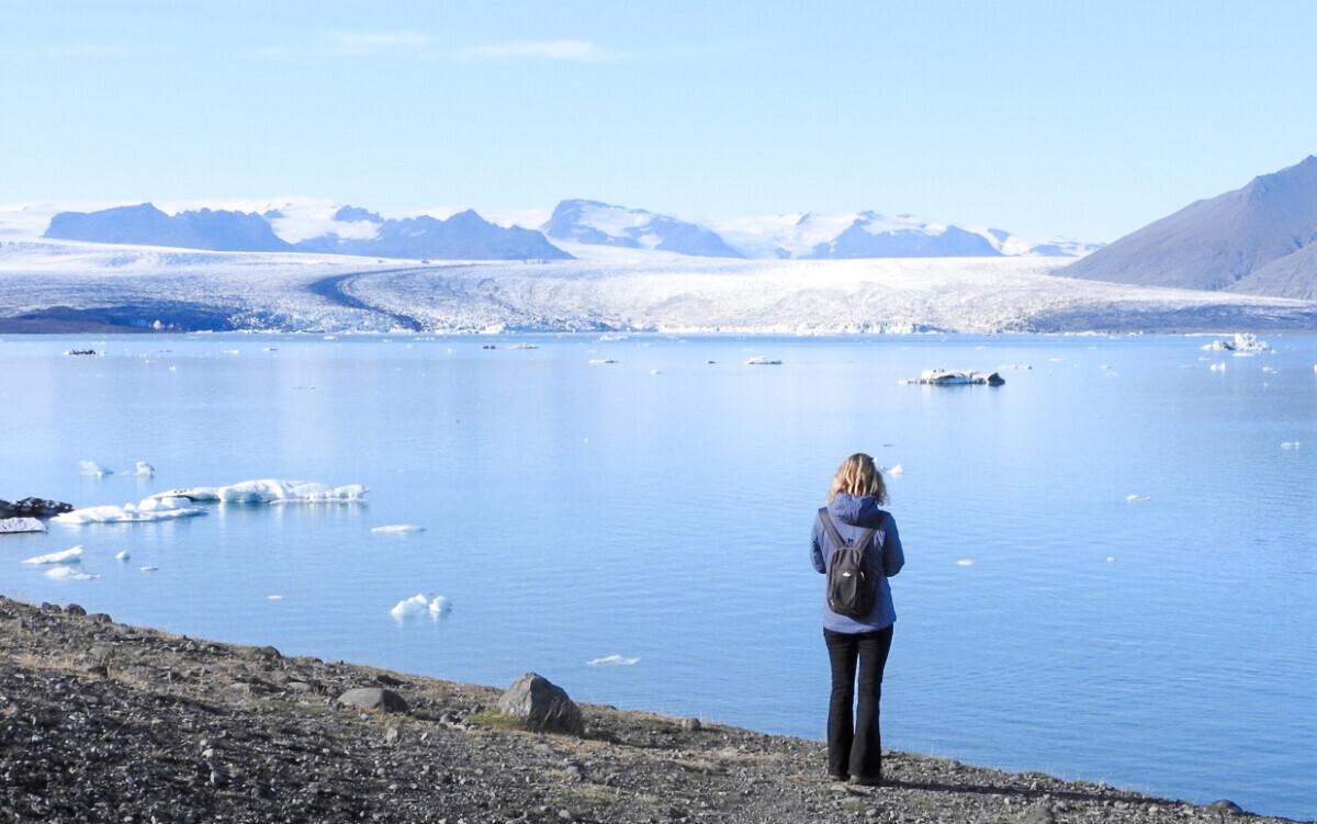 Zicht op het bekende gletsjermeer Jökulsárlón in IJsland. Foto: Pauline van der Waal
