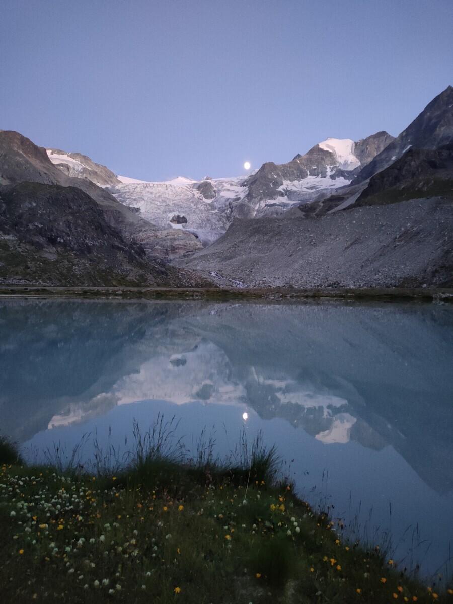 Lac de Moiry uitzicht op Glacier de Moiry