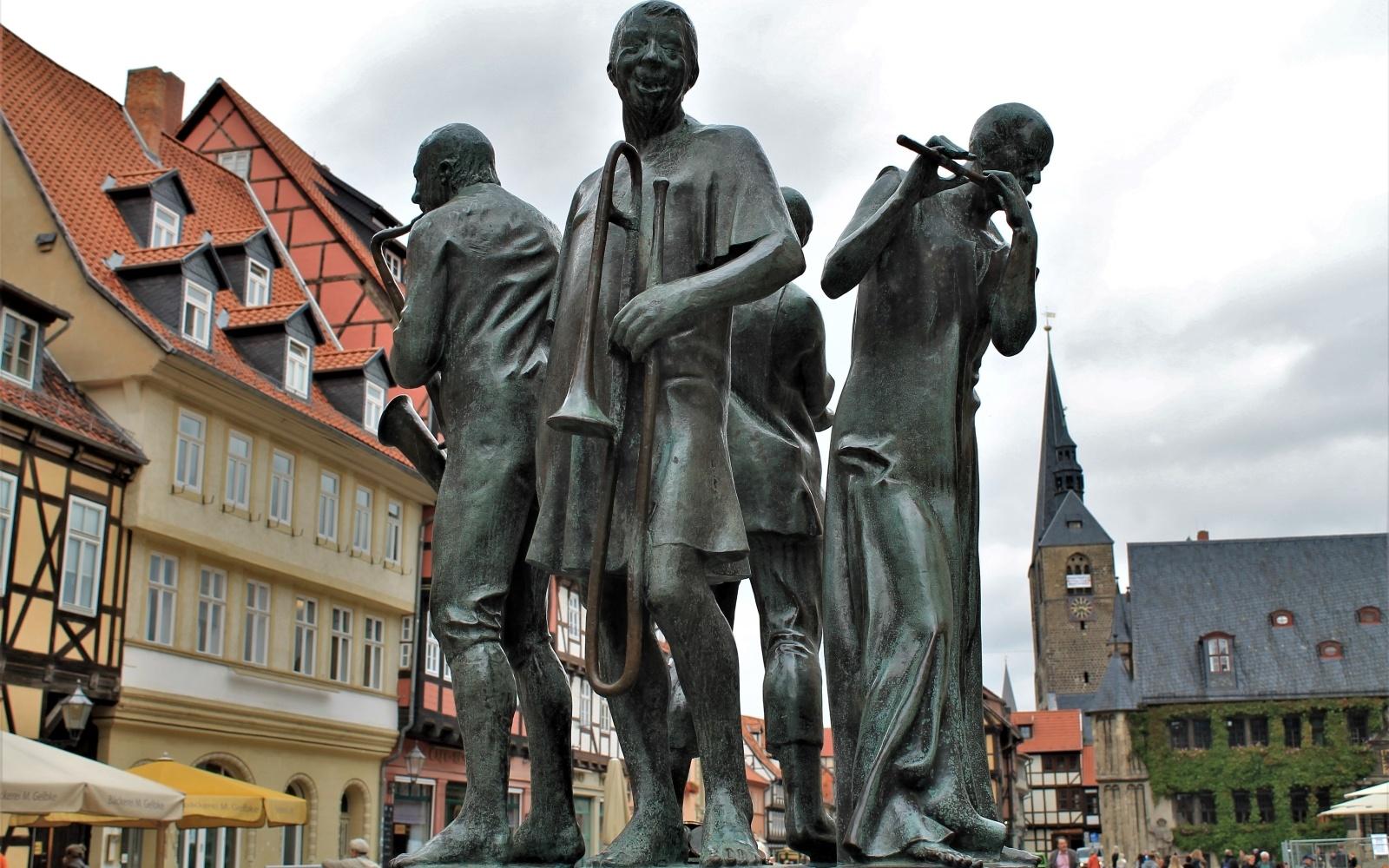 Die Münzenberger Musikanten op het marktplein van Quedlinburg